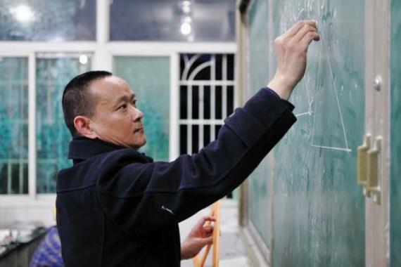 中国好人周登学  扎根乡村35年 无悔年华献青春